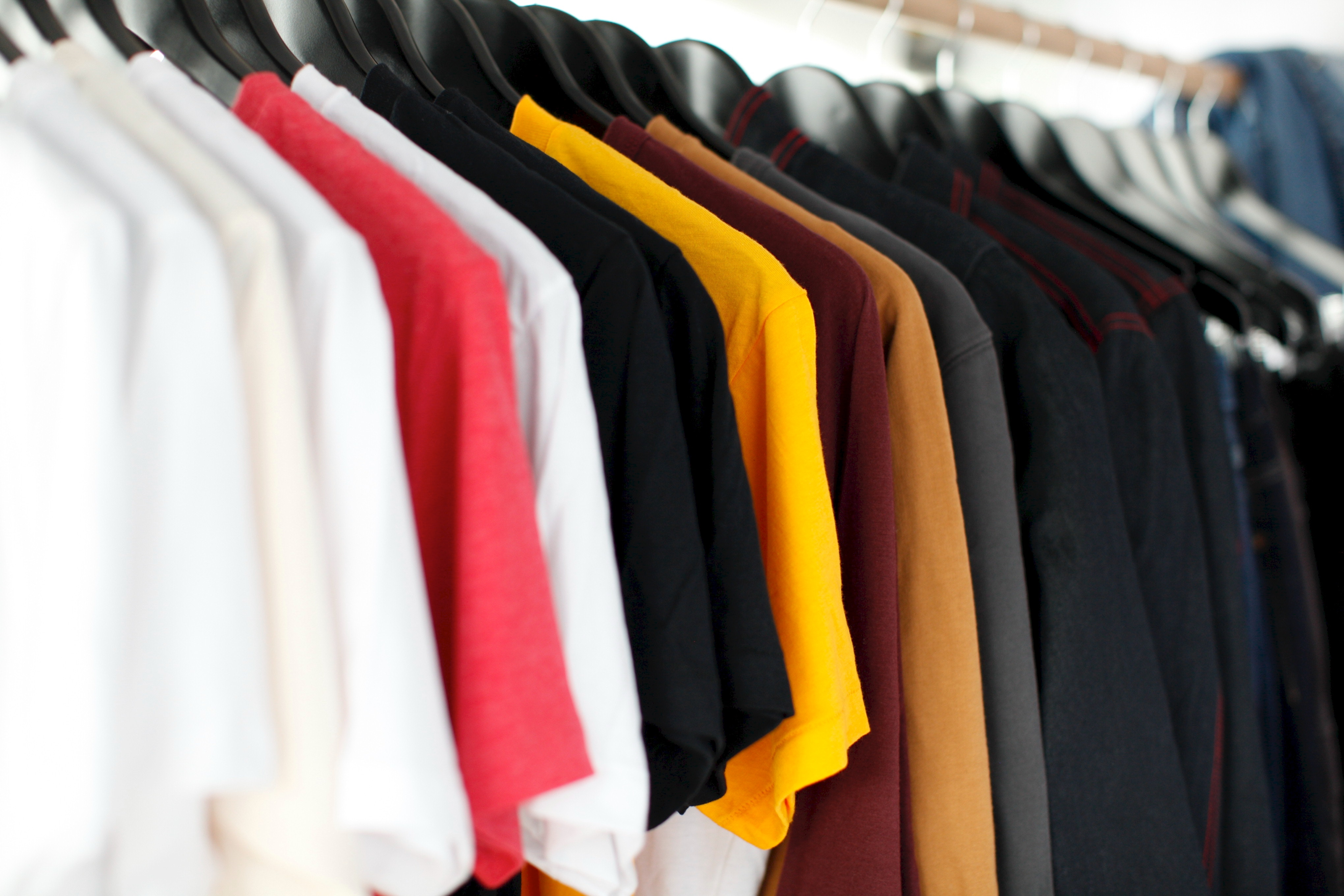 Assessing and hedging the cost of unseasonal weather: the case of the apparel sector